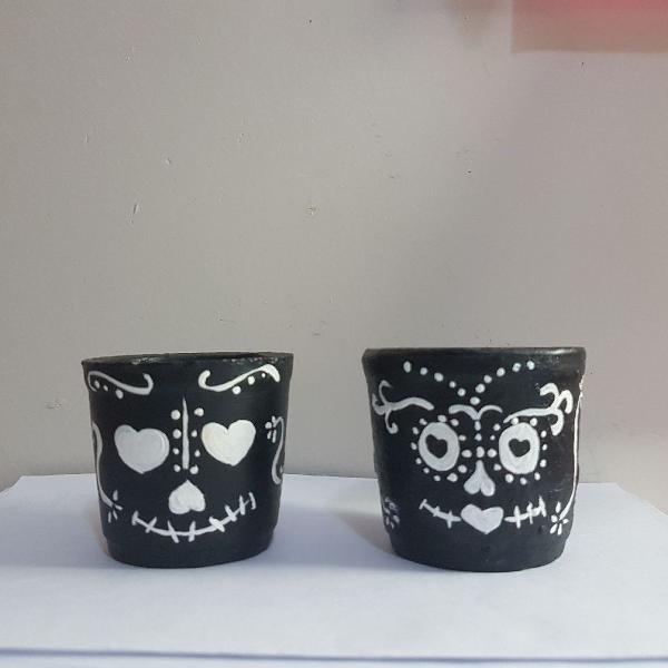 Vasinhos de cerâmica pintados à mão