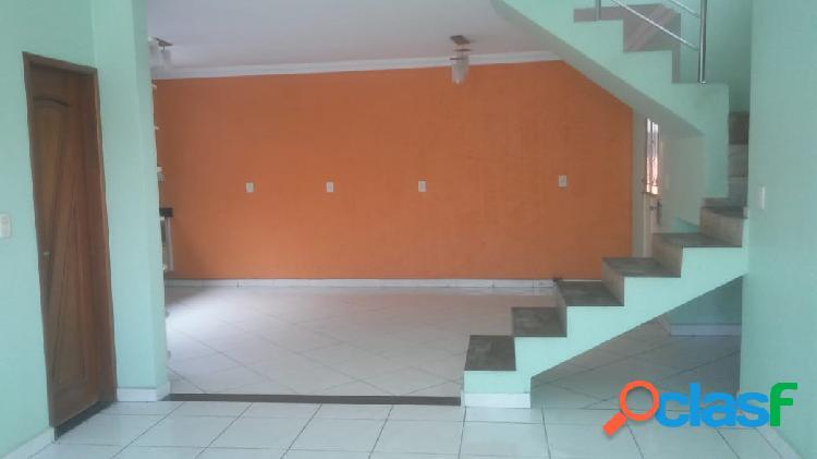 Vendo linda casa Duplex Localizada na Colina do Aleixo
