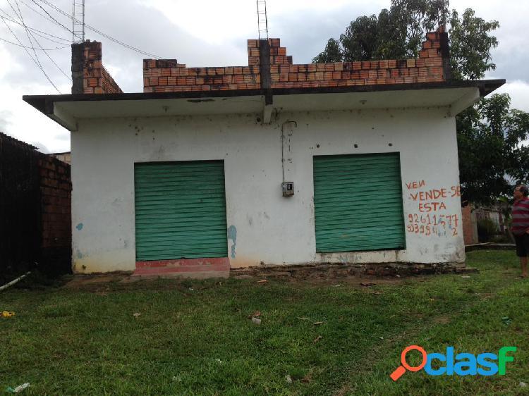 Vendo casa de alvenaria no bairro lago azul na rua principal PROXIMO AO COLEGIO MILITAR E POSTO MEDICO