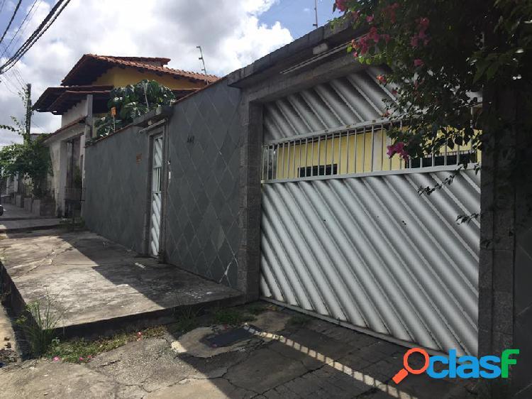 Aluga Casa Residencial ou Comercial no Conjunto Duque de Caxias no Bairro de Flores - Manaus Amazonas AM - Proximo da Arena da Amazonia