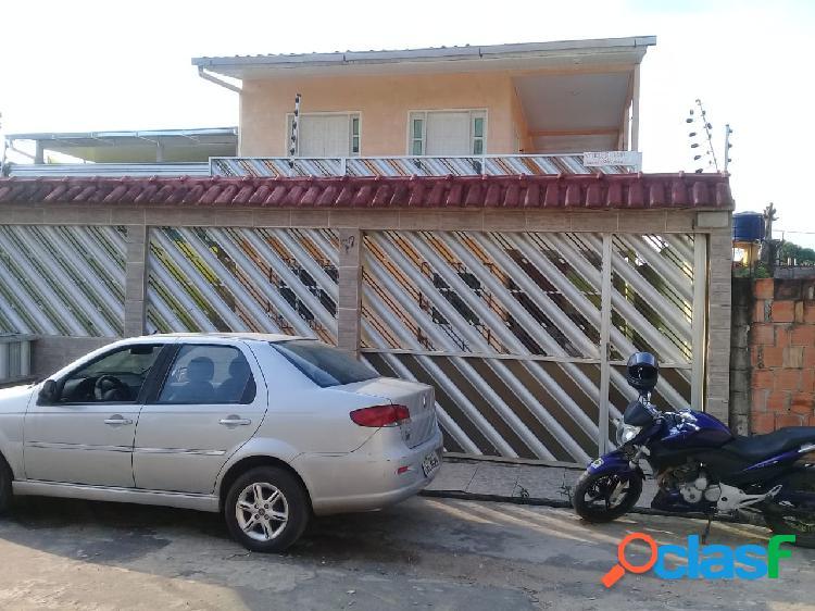 Vendo Excelente Casa no Campos Sales, 4 Garagens, Sala Ampla, 03 qtos, sendo duas suítes, banheiro social, copa-cozinha,quintal