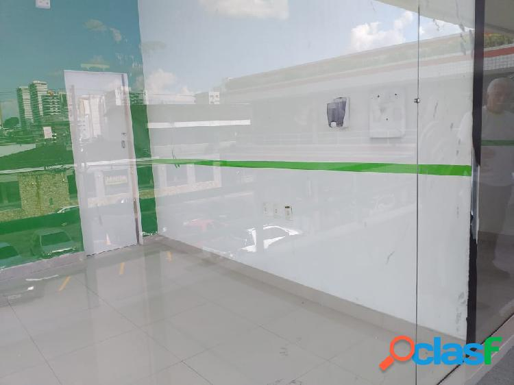 Excelente Loja Vieira Alves, 40 Mts 2, banheiro, Amplo Estacionamento Rotativo, Condomínio: Segurança, Água incluso.