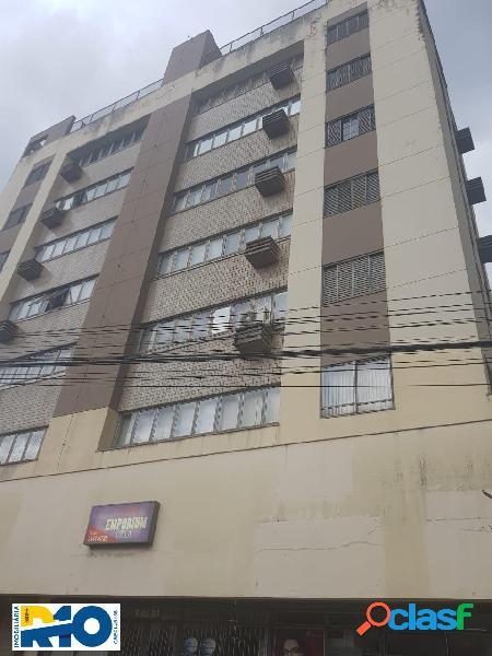 Apartamento a venda região central de londrina 3 quartos,sendo uma suíte.