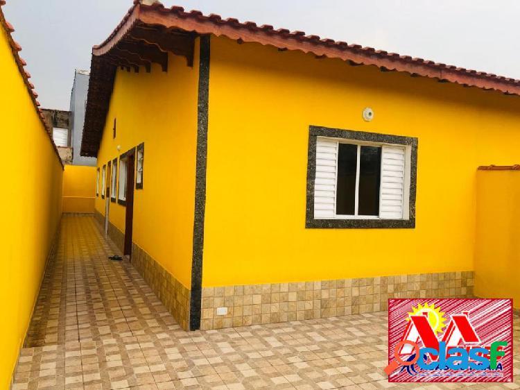 Casa nova 3 dormitórios 1suite, há poucos mts da praia na mendes
