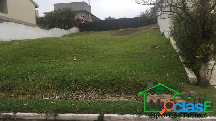 Terreno com 560m² para comprar no residencial alpha 1