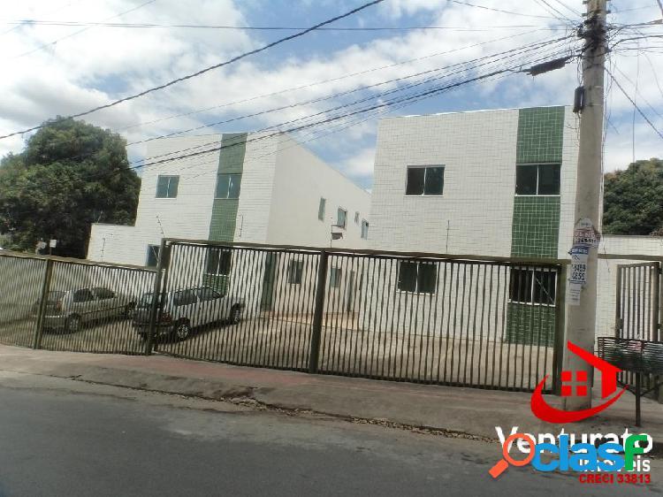 Casa geminada no bairro letícia...