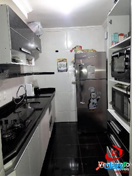 Apartamento 2 quartos grande parte decorado e área privativa justinopolis