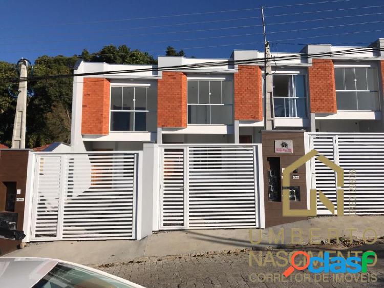 Casa geminada à venda no bairro fortaleza em blumenau, santa catarina.