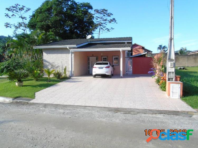Casa em ubatuba - condomínio fechado - vende / troca