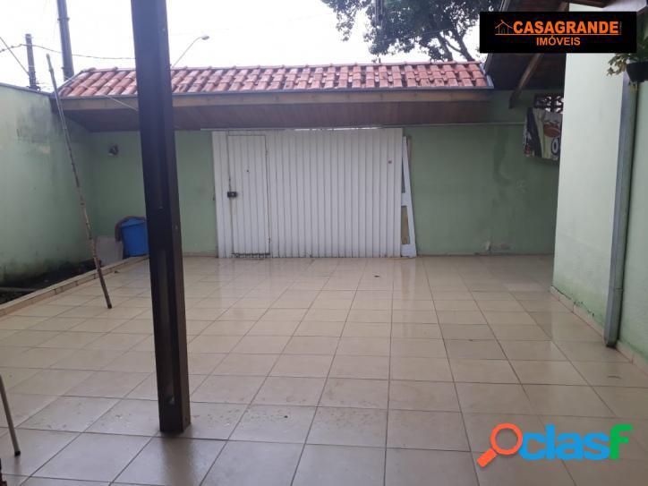 Excelente casa com 02 quartos, à venda, na Vila Tesouro