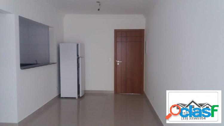Apartamento vila tupi, 1 dormitório, sala com sacada, semi novo.