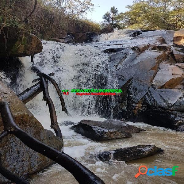 Fazenda em Jambeiro, com lindas Cachoeiras