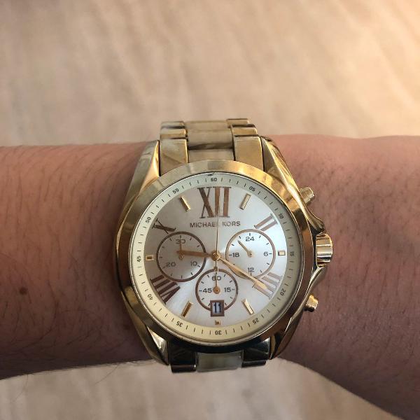 Novíssimo relógio dourado michael kors