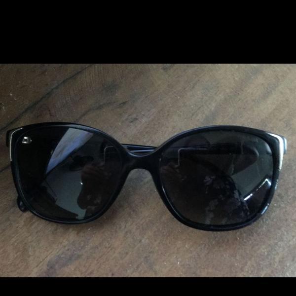Oculos prada original preto! acompanha case também