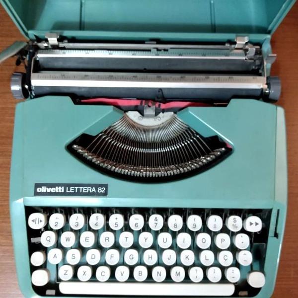 Olivetti letera 82 datilografia