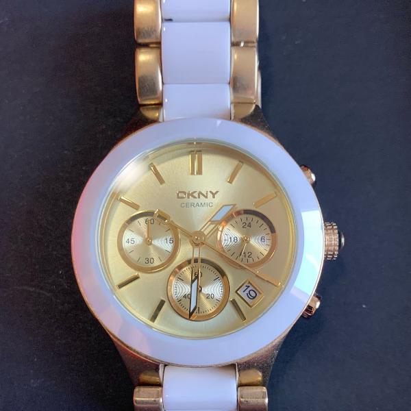 Relógio dkny dourado com cerâmica original
