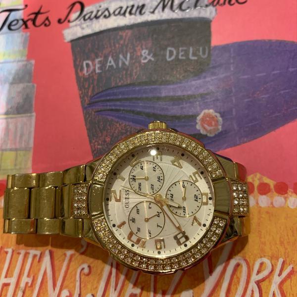 Relógio dourado com strass swarovski da marca guess usado