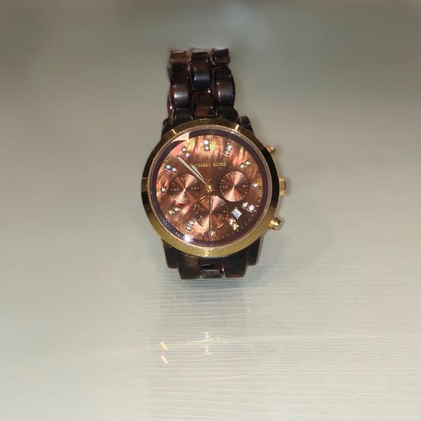 Relógio michael kors marrom tartaruga com pedrarias mk5216