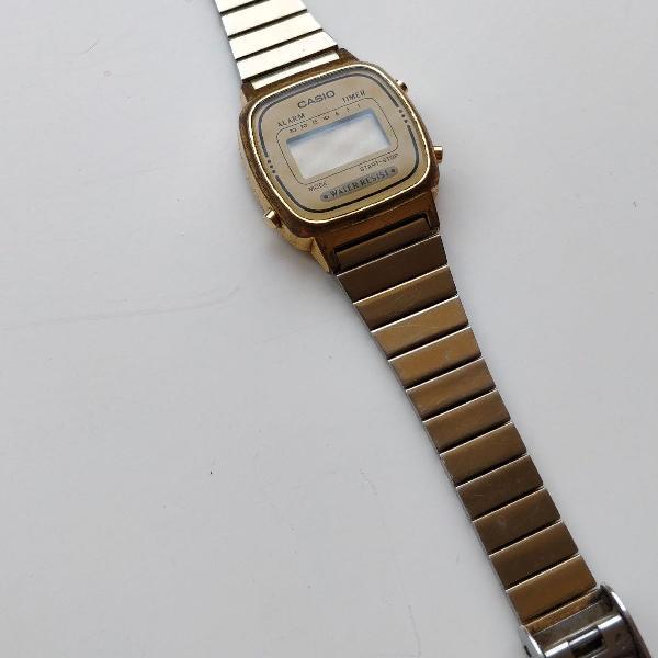 Relógio original casio feminino dourado. modelo clássico