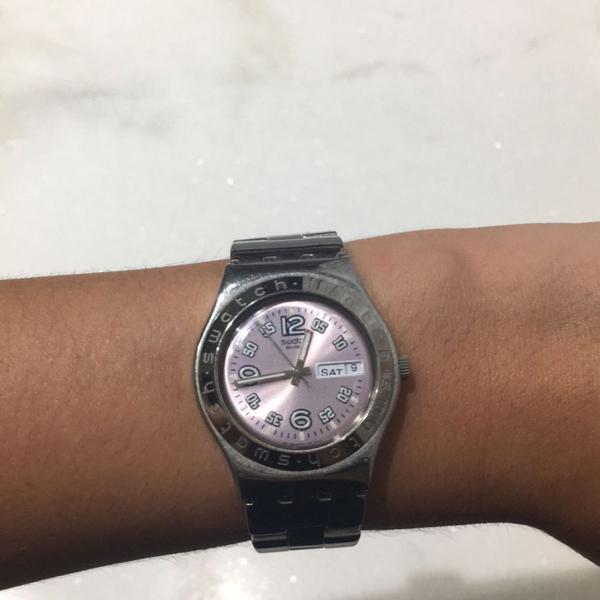 Relogio swatch prata rosa