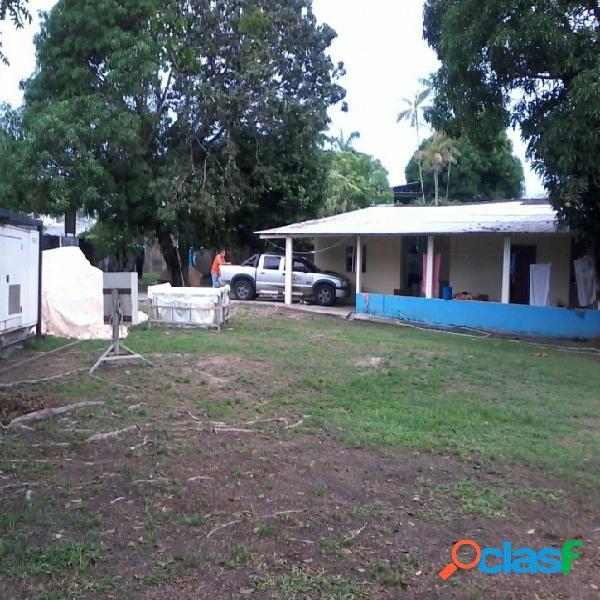 Terreno no bairro Parque 10 de 2.052 m² em área comercial 1