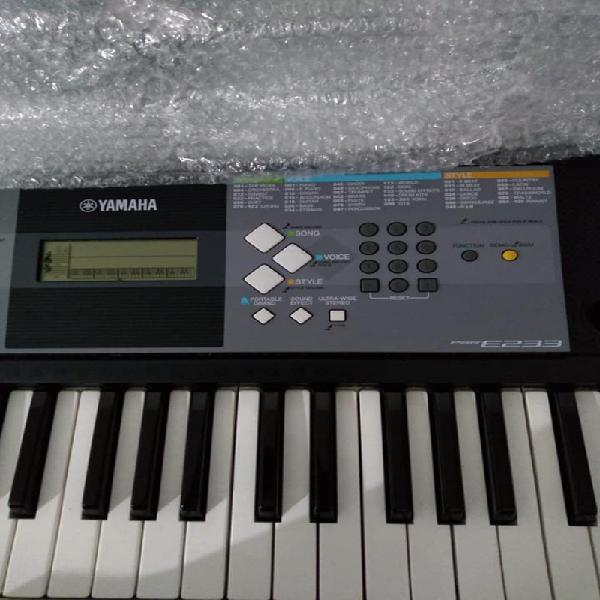 Teclado Yamaha Psr E 233