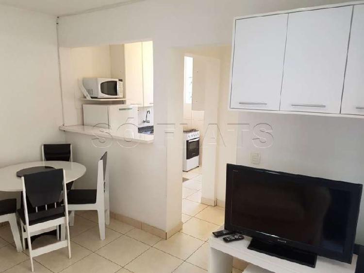 Apartamento com 1 quarto para alugar, 34 m² por r$