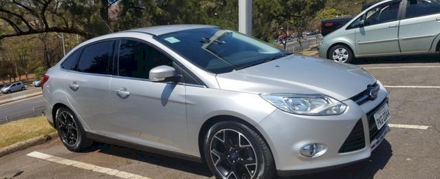 Ford focus 2.0 ti/at sedã ano 2014 /2014 novíssimo