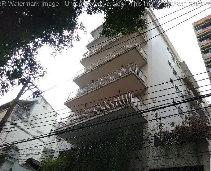 Apartamento com 1 dorm. 400 m da praça saenz peña rj