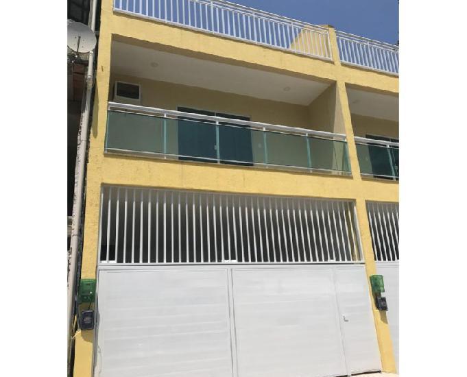 Venda linda casa de três andares