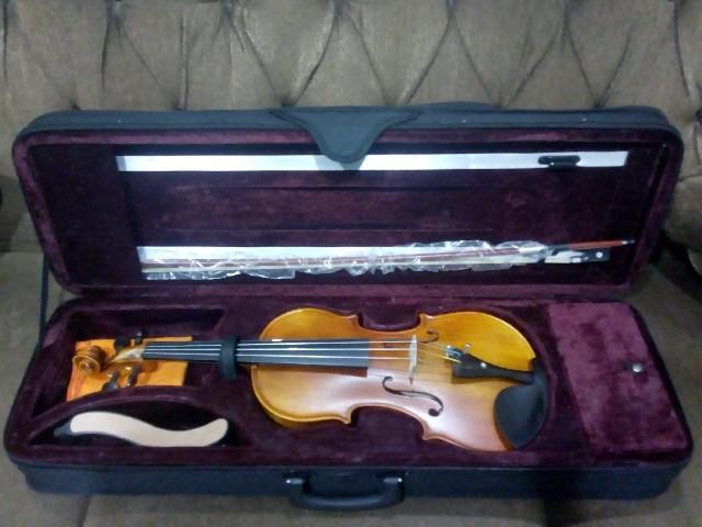 Violino 4 / 4 intermediário