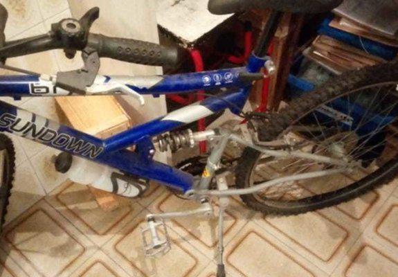 3 bikes aro 26 + 1 bike ergometrica + 1 estepe aro 13 sem