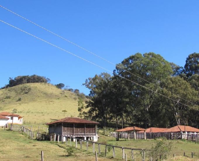 Fazenda no sul de minas, 130 km de são paulo.