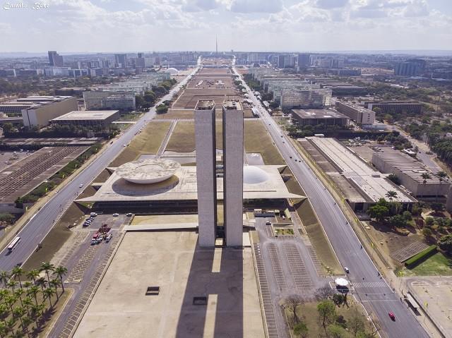 Imagens aéreas com drone 4k em brasília