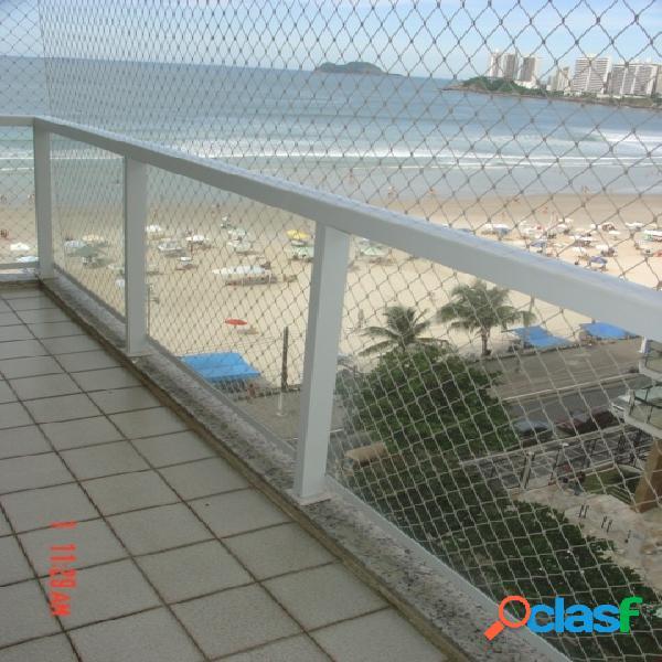 2 dormitórios, prédio frente ao mar, ótima localização!