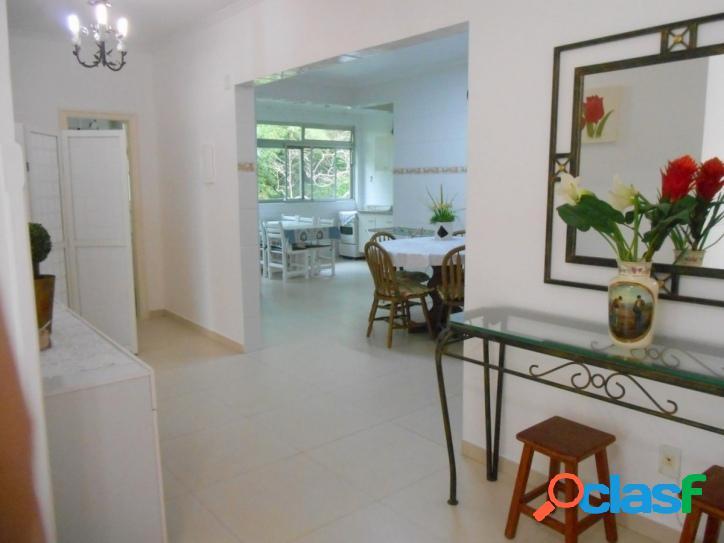 2 dormitórios Pitangueiras, amplo e reformado.