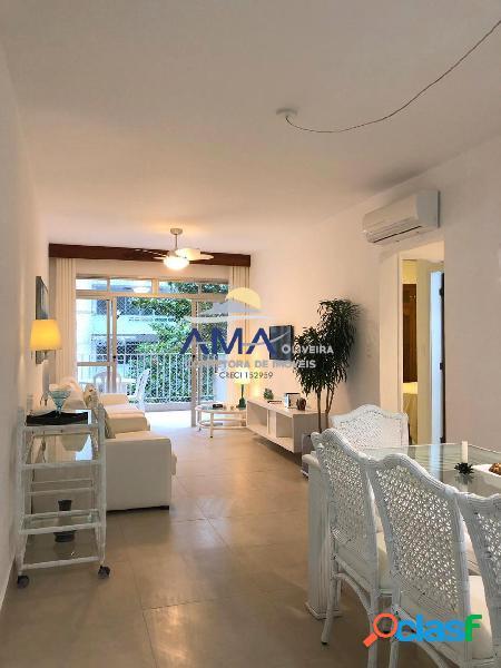 Apartamento 2 dormitórios Pitangueiras Reformado, 50 metros da praia