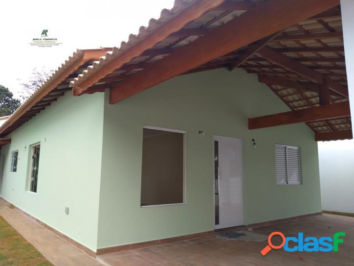 Casa a venda no bairro tijuco preto em cotia - sp. 1 banheiro, 3 dormitórios, 1 suíte, 4 vagas na garagem, 1 cozinha, área de serviço, sala de estar