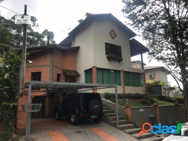 Casa a venda no bairro granja viana em cotia - sp. 2 banheiros, 3 dormitórios, 1 suíte, 5 vagas na garagem, 2 cozinhas, closet, área de serviço, co