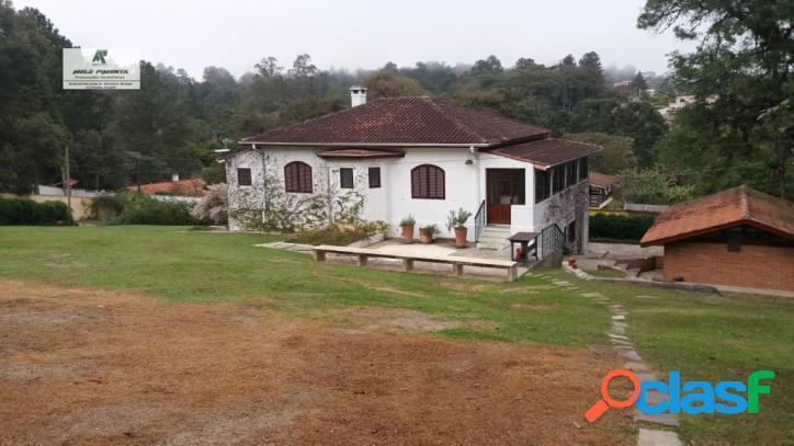 Chácara a venda no bairro alto da serra em são roque - sp. 3 banheiros, 3 dormitórios, 1 suíte, 4 vagas na garagem, 2 cozinhas, closet, área de serv