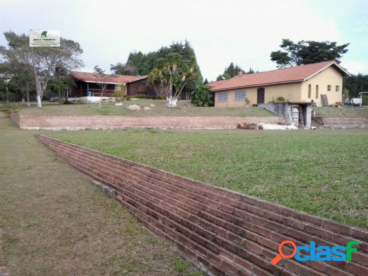 Chácara a venda no bairro jardim rene em são roque - sp. 1 banheiro, 2 dormitórios, 1 suíte, 5 vagas na garagem, 2 cozinhas, área de serviço, sala d