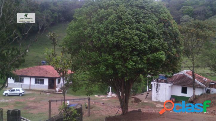 Sítio a Venda no bairro Planalto Verde em São Roque - SP. lavabo, sala de tv, sala de jantar. - 140 1