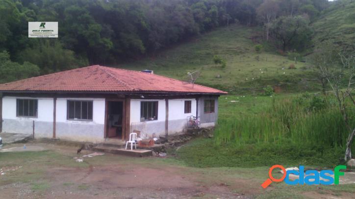 Sítio a Venda no bairro Planalto Verde em São Roque - SP. lavabo, sala de tv, sala de jantar. - 140 2