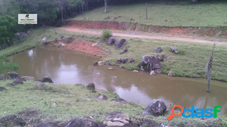 Sítio a Venda no bairro Planalto Verde em São Roque - SP. lavabo, sala de tv, sala de jantar. - 140 3