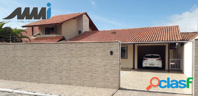 Casa a venda com excelente acabamento a 100 metros do mar - navegantes sc