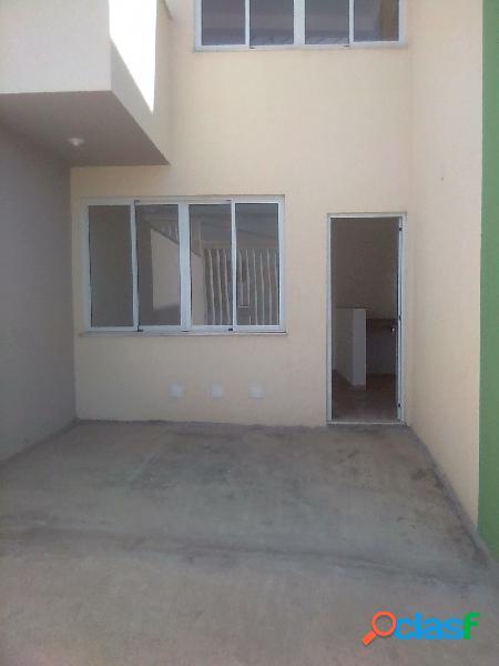 Casa entrada Independente de 02 quartos, 01 vaga, bairro Nacional 1