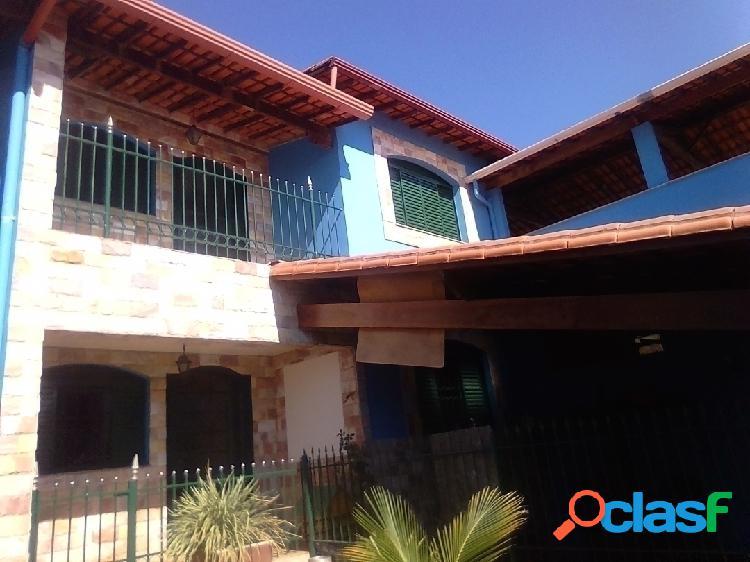 Casa 4 quartos, sendo 2 suítes, 3 vagas, Bairro Jardim Perola, Contagem/MG