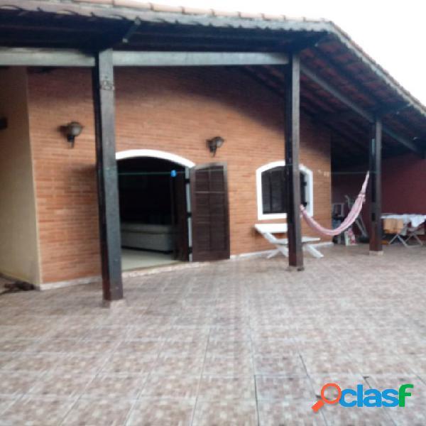 Ampla casa com 3 dormitórios, 1 suíte a 250 m do mar- bopiranga-itanhaém-sp