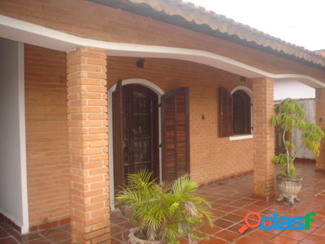 Oportunidade bela casa 4 suítes, ótimo local- 250m do mar-itanhaém -sp