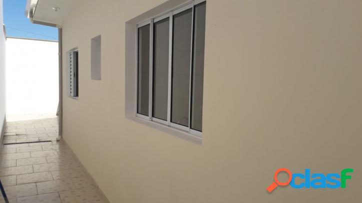 Casa nova, 3 dormitórios, suíte, 700 m da praia-itanhaém-sp